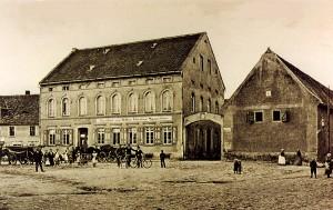 """Ortsmitte mit Gasthof  """"Zum Adler"""""""